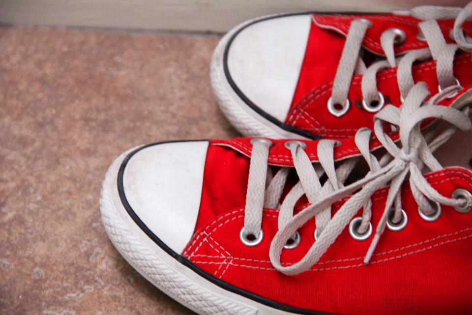 zapatos fuera en casa y fisiomuro03